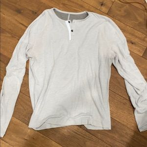 Lululemon mens henley in great condition